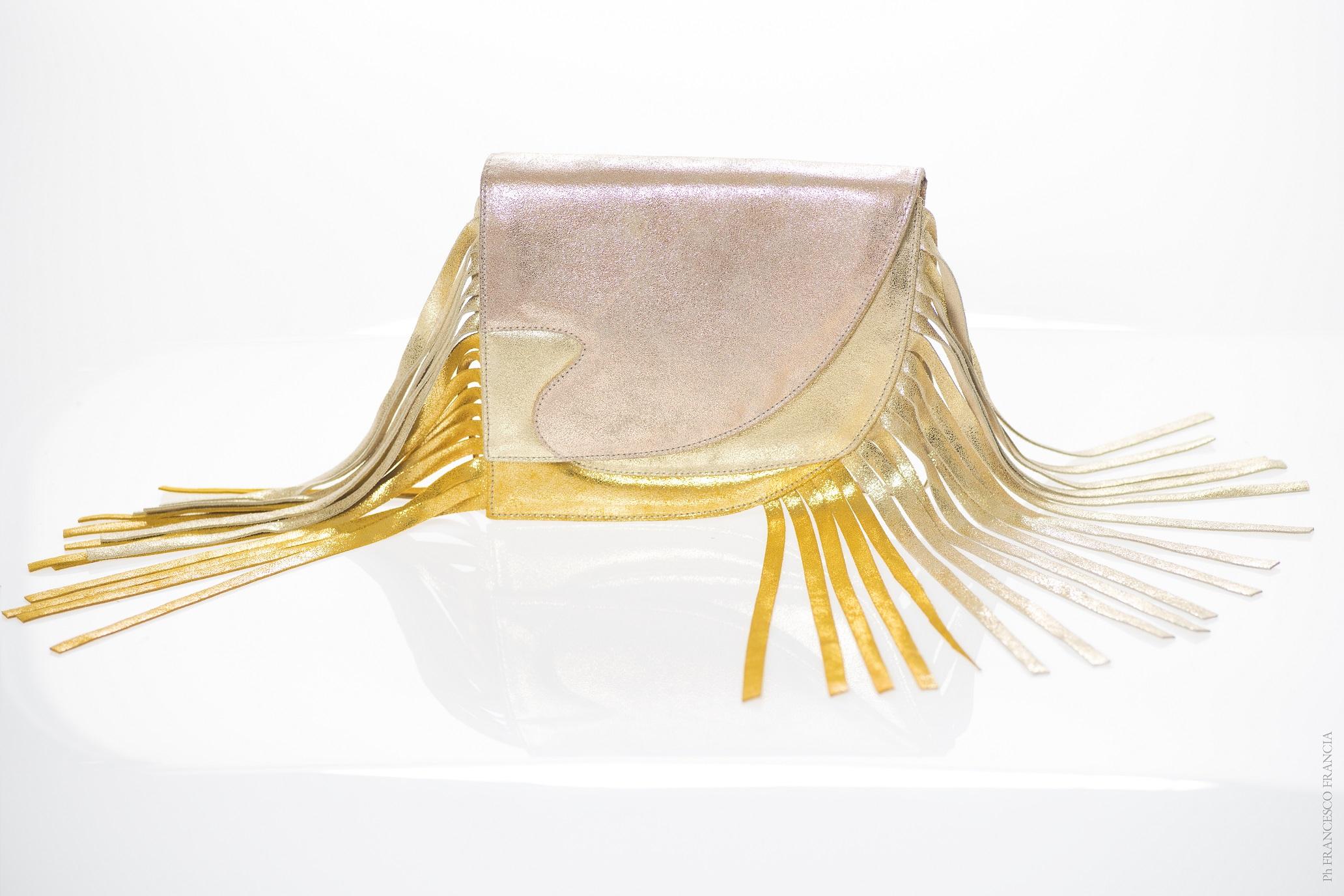 Gold Laguna